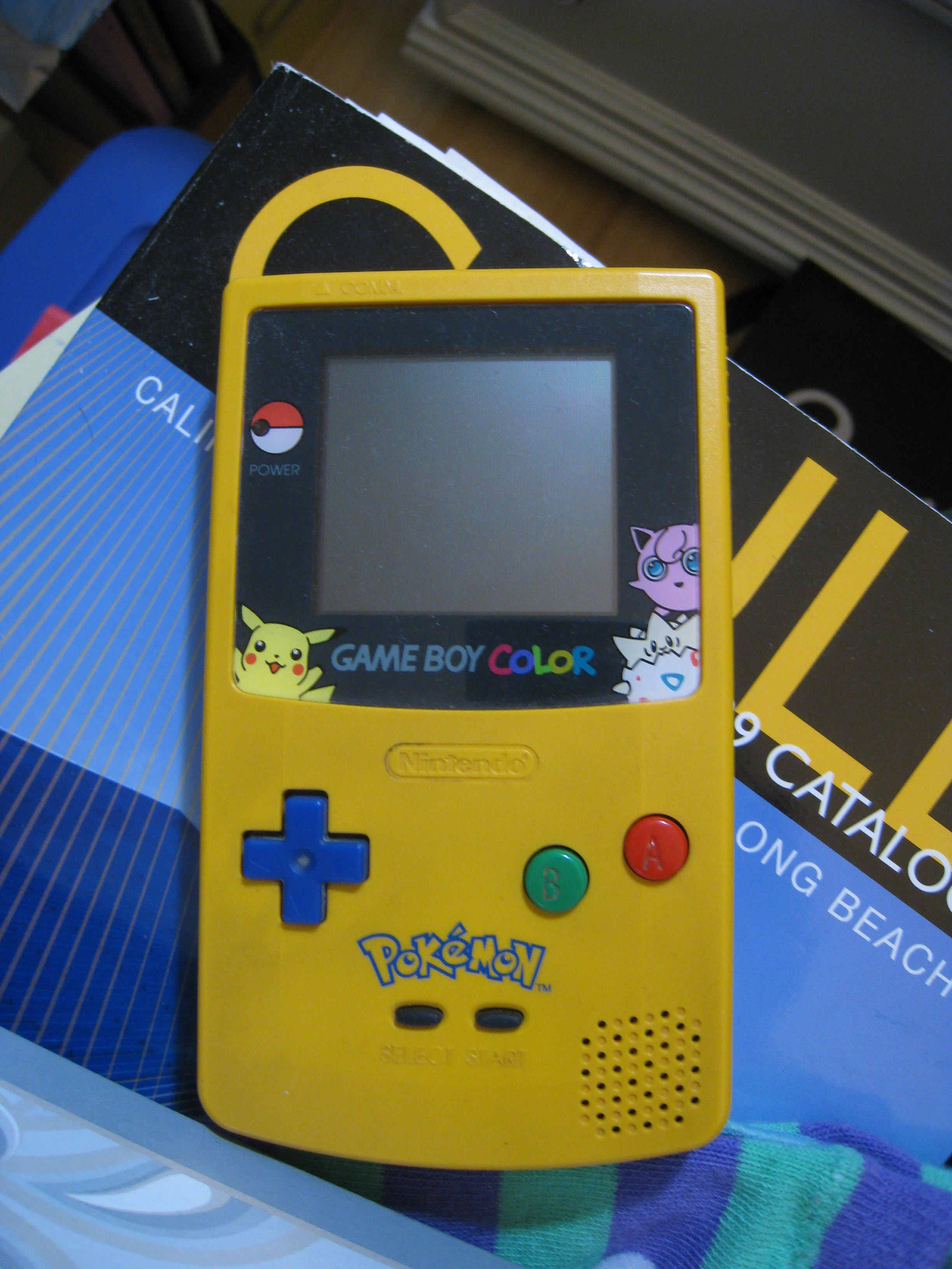 Gameboy color and pokemon yellow - The Special Pikachu Yellow Edition Of The Gameboy Color